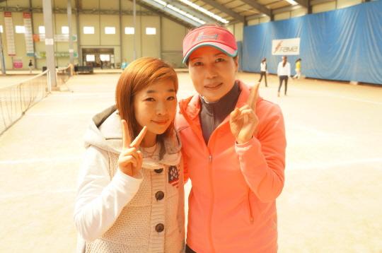 3.선수출신인 이영아(왼쪽)와 안기화.JPG